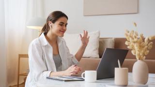 Lady doing e-learning