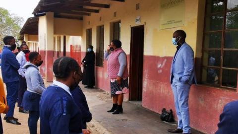 Department of Education Spokesperson Elijah Mhlanga visiting a school