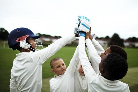 kids-playing-sport