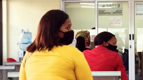people-waiting-at-sassa-office