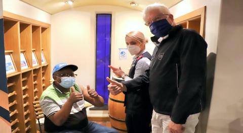 Wester Cape Premier Alan Winde at a vaccination site