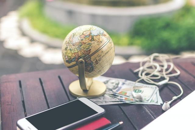 money & the world globe